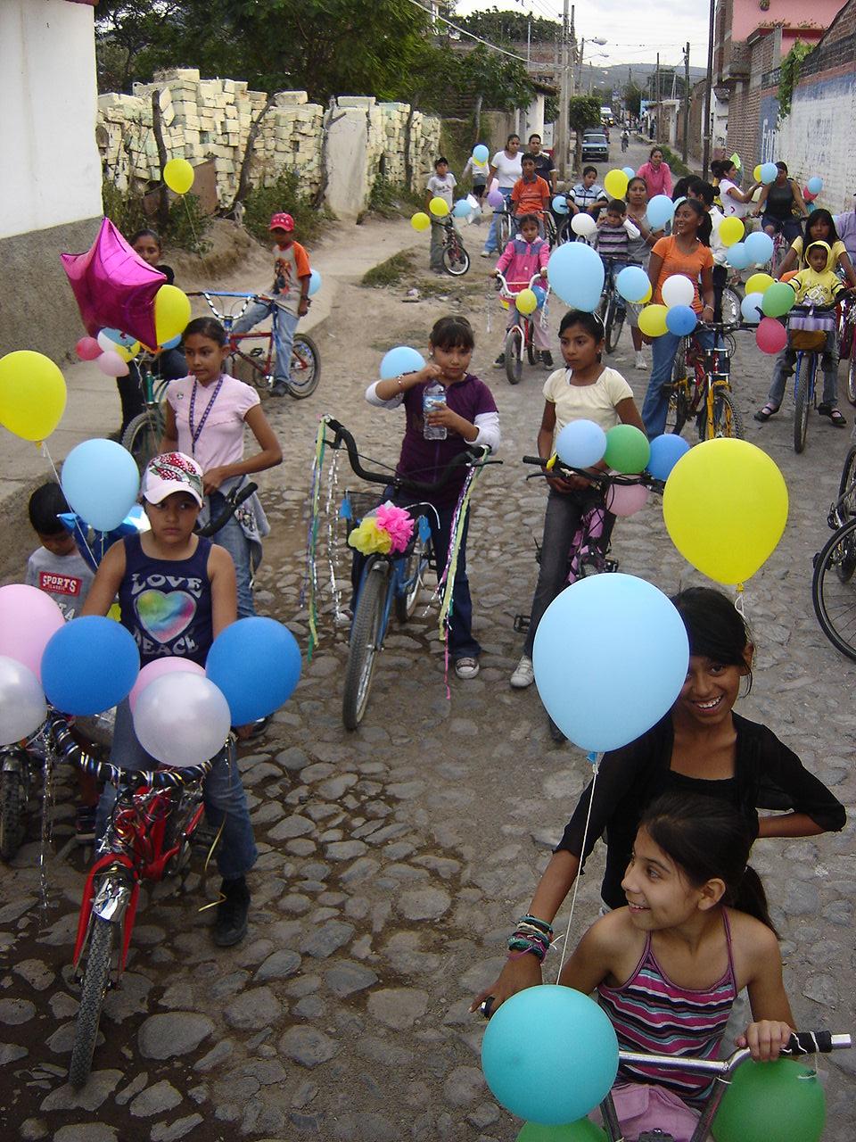 Niños que no os engañen: la bici es guay